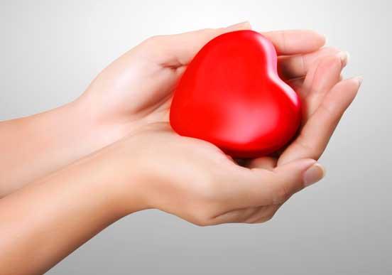 Las palpitaciones del corazón y la fibrilación son síntomas asociados a la cirugía, pero también pueden ser un síntoma sin diagnosticar de vulnerabilidad frente a un posible accidente cardiovascular.
